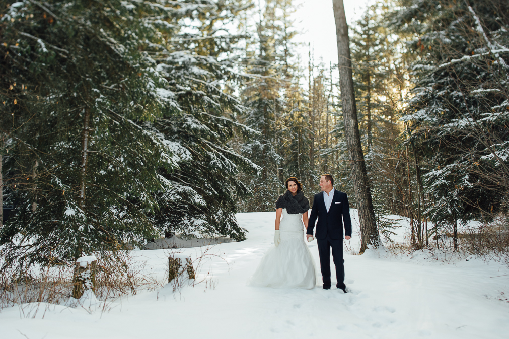 bride and groom winter wedding portraits