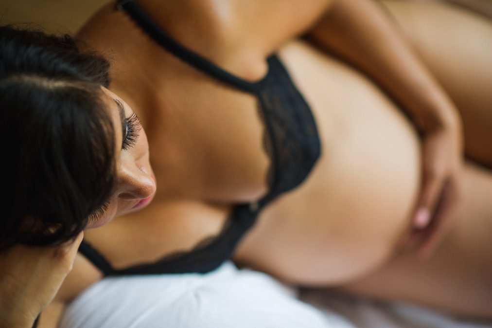 edmonton-maternity-boudoir-photography_0007