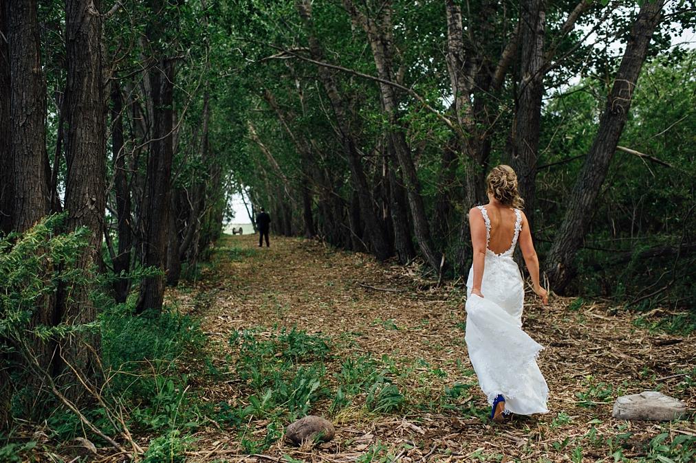 Willow Lane Barn Olds Alberta wedding