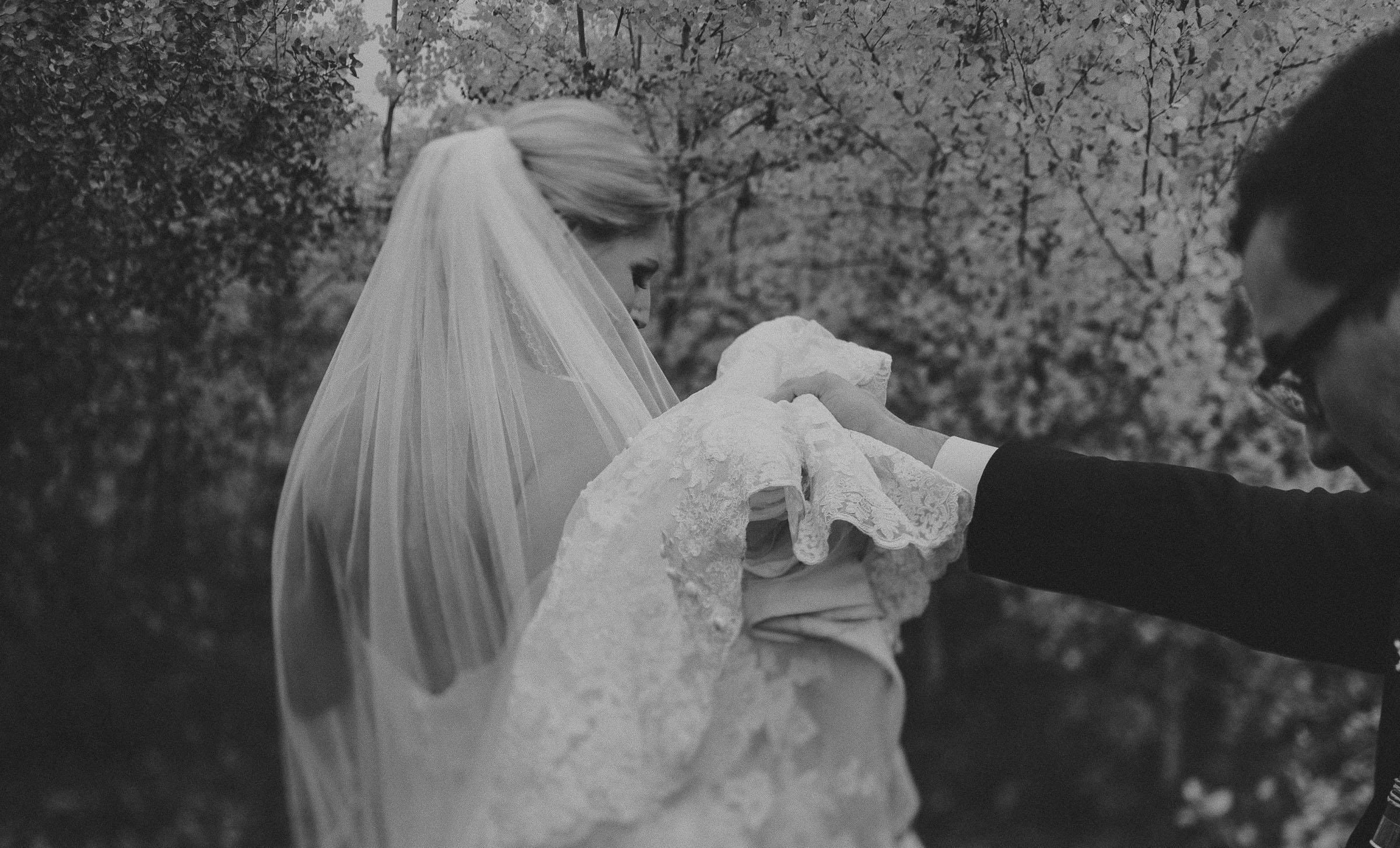 Lions-garden-wedding photographer