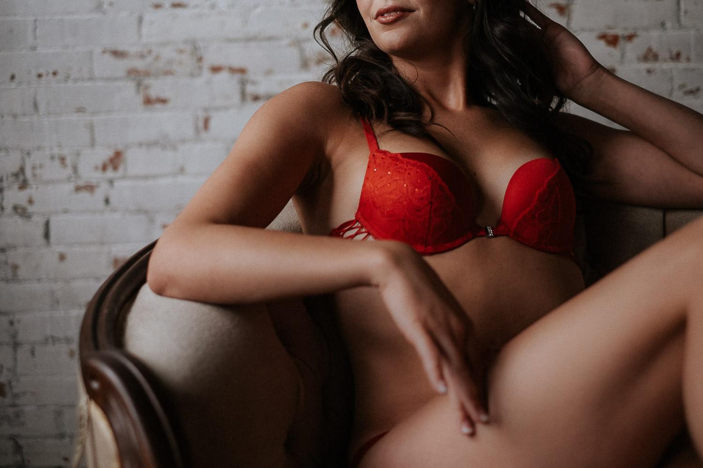 intimate portrait photographer