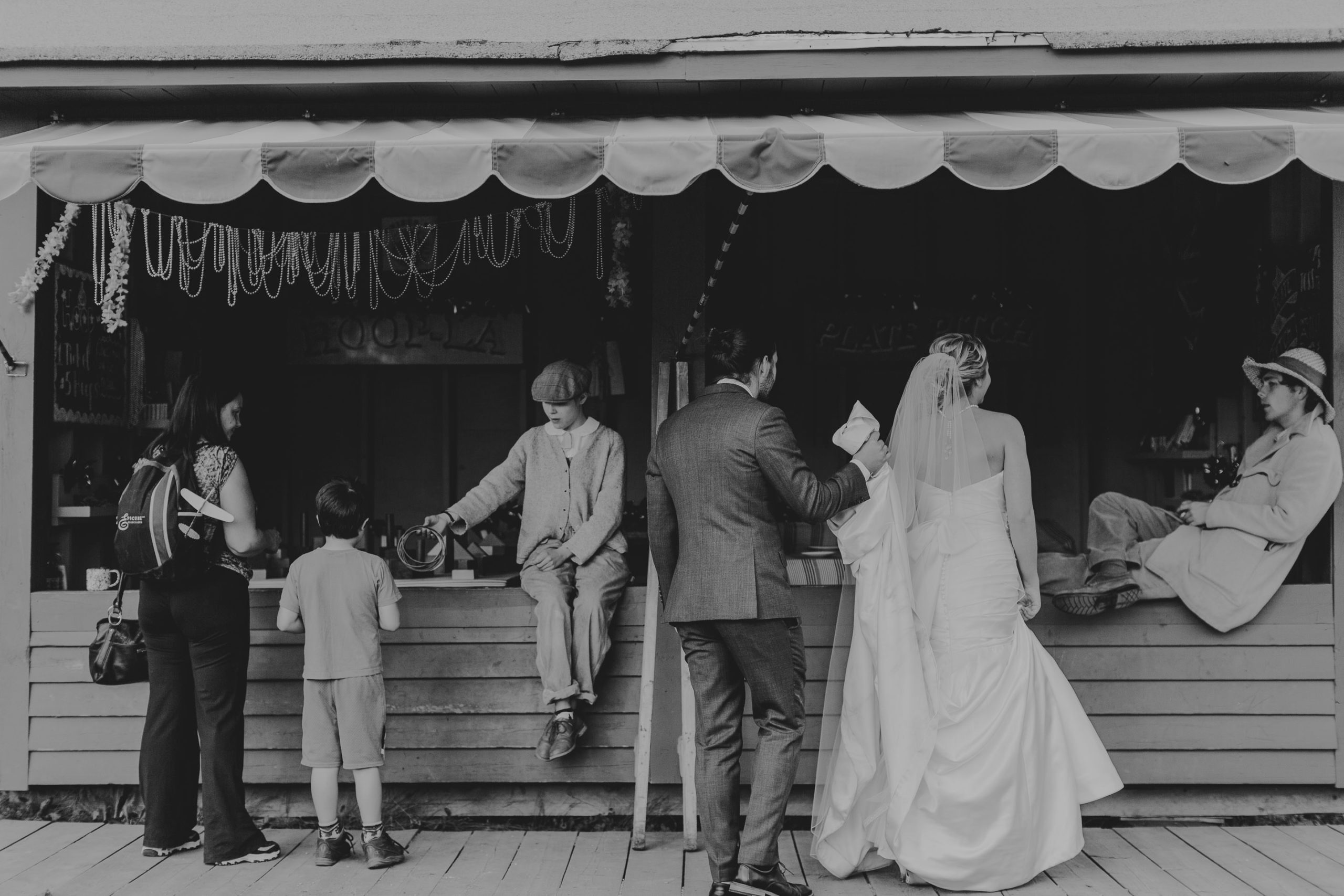 fort edmonton park wedding photographer